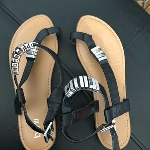 Black and silver size 8 sandals